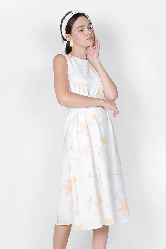 Daffodils V Maxi Dress (White) - Small